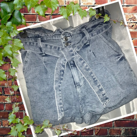WILD FABLE JEAN SHORTS SIZE XS EXC COND!